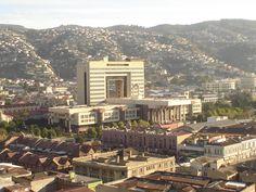 013 INV 2013 Los arquitectos y la falta de memoria/ El proyecto como coartada para el olvido: el parque José Domingo Gómez Rojas en Santiago y el edificio del Congreso en Valparaíso
