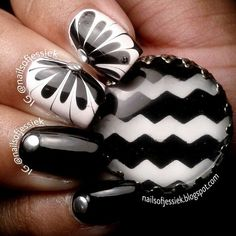 Black and White Water marble nail art with studs could pair with Sherri Hill 11030 #combo #compliment #ipaprom