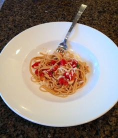 One pot tomato basil pasta recipe is so easy and tasty.  Saw this on Facebook and tested it out and it works great.  Click the link to get the recipe so you can try this easy dish that doesn't require boiling the pasta first.  All done in one step and one pot.