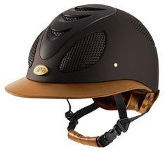 Casco Gpa First Lady Leather 2X @zaldisaddles , es el primer casco de equitación diseñado y desarrollado para las Damas. Este producto presenta las mismas características técnicas y el confort del Speed Air: ventilación, seguridad, ligereza, comodidad, forros interiores extraíbles.