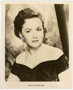 This Photo was uploaded by aartt Old Hollywood Stars, Old Hollywood Movies, Hollywood Glamour, Olivia Havilland, Errol Flynn, Star Beauty, Classic Movie Stars, British Actresses, Portrait Photo
