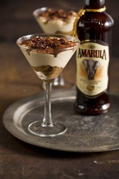 tiramisu recipe We think that Amarula, instead of the traditional rum, lends an extra depth to this sweetly sinful dessert.We think that Amarula, instead of the traditional rum, lends an extra depth to this sweetly sinful dessert. South African Desserts, South African Dishes, South African Recipes, Köstliche Desserts, Delicious Desserts, Dessert Recipes, Yummy Food, Individual Desserts, Elegante Desserts