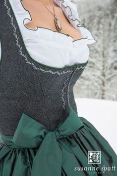 Susanne Spatt Dirndl aus Salzburg - TRACHT heute Qualit t hat Tradition in Eugendorf Salzburg Drindl Dress, German Outfit, Folk Costume, Mode Inspiration, Corsage, Traditional Dresses, Clothes For Women, My Style, Womens Fashion