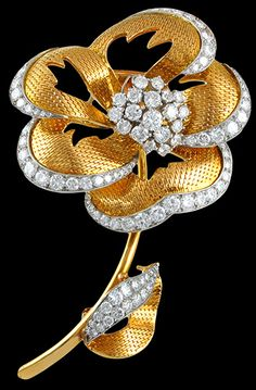 CARTIER Diamond Flower Brooch - Yafa Jewelry