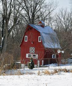 love this cute little barn