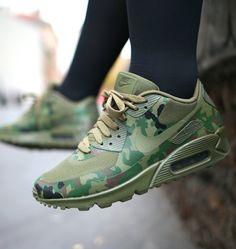 eyan-j  flexingonthesehoes  I need these Nike Futócipők 3b9514e5c7