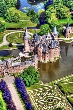 Kasteel de Haar, Holland Beautiful Castles, Beautiful Buildings, Beautiful World, Beautiful Places, Lovely Things, Amazing Places, Beautiful Men, Utrecht, Places To Travel
