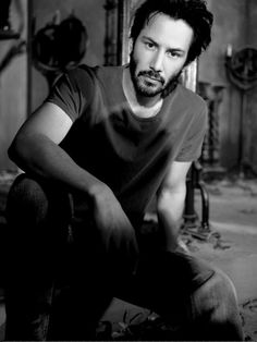 Keanu Reeves... yes, yes, & yes please!!!