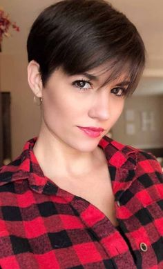 Today, we are addressing the topic of short haircut and we are looking at a series of 20 short-cut women's crop ideas centered around the pixie and the square. These two types of short haircut are among the most popular… Continue Reading → Modern Short Hairstyles, Cute Hairstyles For Short Hair, Pixie Hairstyles, Short Hairstyles For Women, Short Hair Cuts, Curly Hair Styles, Bob Haircuts, Pixie Cuts, Haircut Short