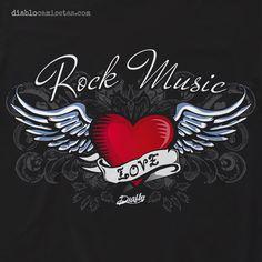 Camiseta con estética tattoo, la camiseta muestra un corazón con alas dibujado según el estilo de tatuaje clásico americano. www.diablocamisetas.com