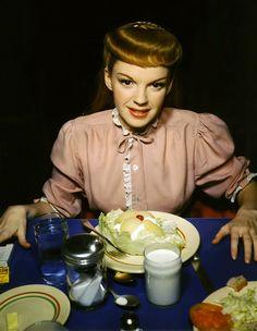 Judy Garland in meet me in st louis.