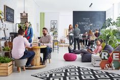 15 Coworking Events to Build Community in Your Shared Workspace, – Executive Home Office Design Coworking Space, Office Interior Design, Office Interiors, Office Designs, Design Thinking, Petite Kitchenette, Airbnb Office, Le Vermont, Living Place