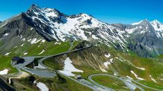 The Grossglockner High Alpine Road makes Austria's highest mountain accessible for everyone. The famous alpine road leads you right into the heart. Parc National, National Parks, National Geographic, Austria, Kaiser Franz Josef, Bad Gastein, Zell Am See, Day Tours, Holiday Destinations