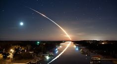 """""""Waterway to Orbit"""" Honorable mention for National Geographic Photo Contest The photo is of the Space shuttle Endeavor launching. Photographie National Geographic, National Geographic Photography, Star Treck, National Geographic Photo Contest, Skier, Concours Photo, Exposure Photography, Space Photography, Adventure Photography"""