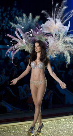 Adriana Limas Victorias Secret comeback