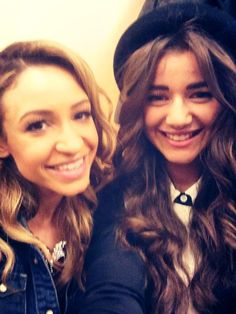 Eleanor Calder and Danielle Peazer MSG concert 1D