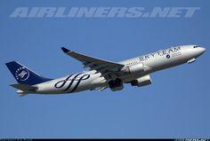 "B-6528 ""SkyTeam"".  Airbus A330-323 China Southern.  (2012-04-02)."