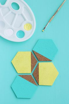 Painted Cork Coasters DIY (click through for tutorial)