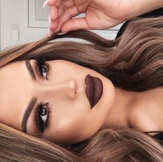 Dark brown lips!