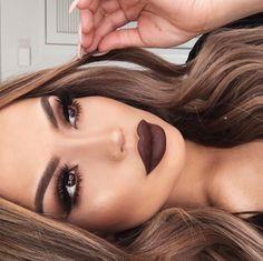 Dark brown lips!
