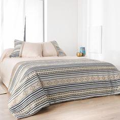 Jeté de lit imprimé aux motifs Inca (Beige) Beige, Comforters, Motifs, Blanket, Bedroom, Cousin, Polyester, Furniture, Composition