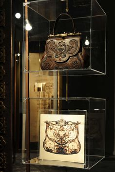 "Leonardo da Vinci, handbag designer. In 1978, Da Vinci scholar Carlo Pedretti paid attention and identified the drawing as a handbag designed by Leonardo da Vinci around 1497. As a tribute to the city of Florence, fashion house Gherardini has brought Leonardo's handbag to life. Designer Carla Braccialini designed the ""Pretiosa"", bag based on Leonardo's drawing, and artisans made it by hand using luxury materials like embroidered calf leather and an embossed brass handle."