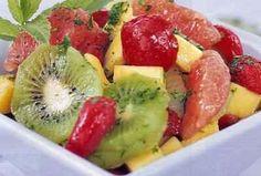 """750g vous propose la recette """"Salade de fruits printanière"""" publiée par nadinejW."""