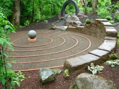 Cool for Zen garden- looks difficult to make? Image detail for -ideas for creating your own labyrinth as a part of your spring garden . Labyrinth Design, Labyrinth Walk, Prayer Garden, Meditation Garden, Meditation Corner, Garden Art, Garden Design, Minimalist Garden, Modern Minimalist