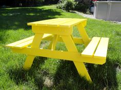 From My Life to yours…: Picnic Table Painting - Modern Kids Backyard Playground, Backyard For Kids, Toddler Picnic Table, Painted Picnic Tables, Outdoor Fun For Kids, Outdoor Play, Daycare Design, Picnic Decorations, Outside Living