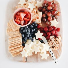 - Celebrating the of July Fourth of July fruit & cheese tray 4th Of July Desserts, Fourth Of July Food, Happy Fourth Of July, 4th Of July Celebration, 4th Of July Party, Fourth Of July Recipes, 4th Of July Ideas, Patriotic Party, 4th Of July Camping