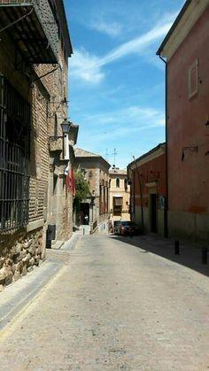 Panorama de una calle en Toledo
