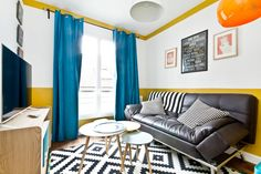 Canapé lit très confortable pour deux personnes - Get $25 credit with Airbnb if you sign up with this link http://www.airbnb.com/c/groberts22