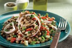 Cycladic Island Salad with Black-Eyed Beans, Greece Greek Recipes, Light Recipes, Raw Food Recipes, Cooking Recipes, Cooking Time, Healthy Salads, Healthy Cooking, Black Eyed Pea Salad, Lunch To Go
