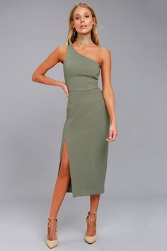Don't let missing out on this dress haunt you! The Finders Keepers Haunted Olive Green One-Shoulder Midi Dress is shaped from gauzy, woven poly. Olive Dress, Olive Green Dresses, Blue Lace Midi Dress, Dress Up, Dress To Impress, Fashion Dresses, Woman Dresses, Midi Dresses, Club Dresses
