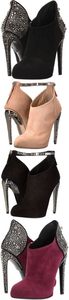 Be fiercely fashionable with every footfall in your Giuseppe Zanotti Giuseppe for Jennifer Lopez booties