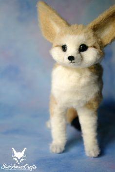 Needle felted fennec fox by SaniAmaniCrafts #needlefelted #SaniAmaniCrafts