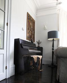 Vintage Piano  #Interior #Design #Home #Decor