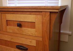 LARGE Nursery Dresser Detail.jpg 640×449 pixels