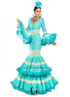 Flamenco Costume, Flamenco Dancers, Flamenco Dresses, Dance Outfits, Dress Outfits, Flamingo Dress, Spain Fashion, Fashion Art, Fashion Trends