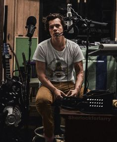 Harry Styles Baby, Harry Styles Pictures, Harry Edward Styles, Beautiful Boys, Pretty Boys, Beautiful People, Harry Styles Wallpaper, Mr Style, Family Show