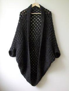 Granny square shrug, how-to on the blog.