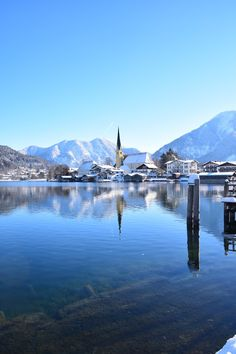 Winter in Rottach-Egern am Tegernsee, Bayern, Deutschland. Winter at lake Tegernsee in Bavaria, Germany.