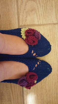 Perfect for giving or to give yourself a gift, these soft slippers can be knit quickly and can be washed easily.