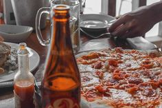beer  pizza Alcoholic Drinks, Pizza, Beer, Wine, Glass, Instagram, Food, Root Beer, Alcoholic Beverages