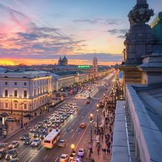Nevskiy ave. Saint-Petersburg, Russia // Невский проспект, Санкт-Петербург