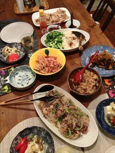 シンガポールチキンライス、ヤムウンセン、カボチャのバルサミコ酢炒め、ネギザーサイと豆腐、おから、レンコンベーコンキンピラ。初めてチキンライスをストウブで作り
