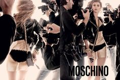 Moschino 发布 2017 年春夏系列广告大片,Hadid 姐妹本色出演 | 理想生活实验室