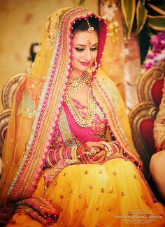 Tips For Planning The Perfect Wedding Day – Cool Bride Dress Wedding Lehnga, Indian Wedding Bride, Bollywood Wedding, Bridal Lehenga Choli, Wedding Attire, Indian Weddings, Wedding Dresses, Saree, Indian Bridal Photos