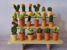 crochet cactus miniatures Amazing Examples of Teeny Tiny Crochet and Amigurumi Crochet Cactus, Crochet Diy, Crochet Home, Crochet Flowers, Mini Cactus, Cactus Flower, Cactus Cactus, Indoor Cactus, Flower Bookey