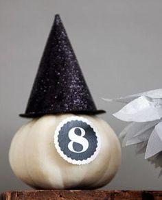 DIY Halloween : DIY Glittered Witch Hat Pumpkin